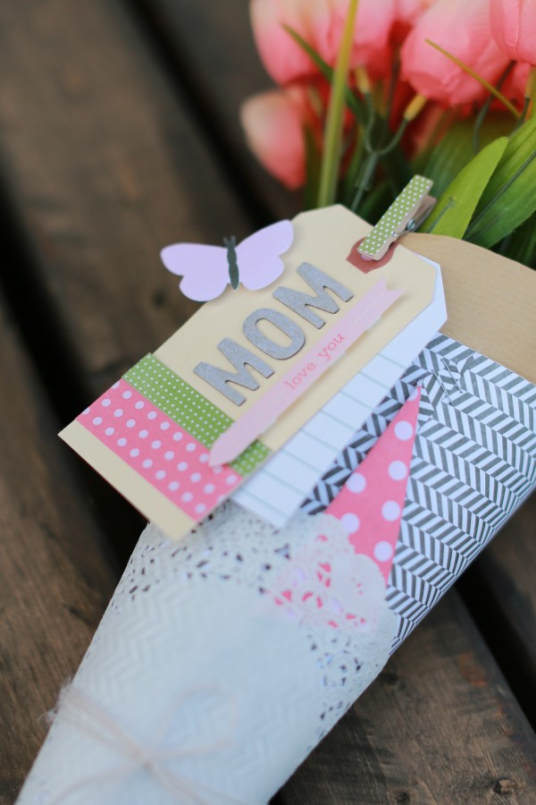 Flower packaging made from scrapbooking supplies by @pattykphoto for @pebblesinc #flowers