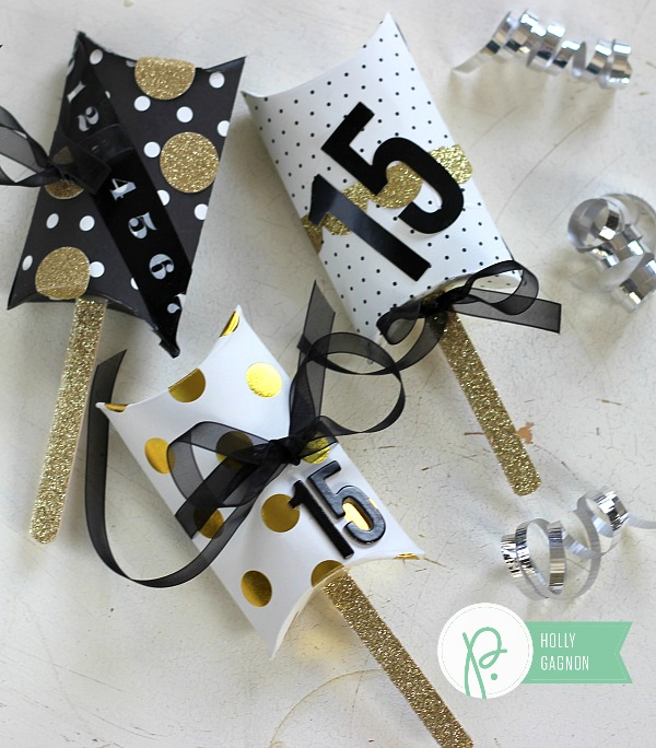 Pillow Box Shakers made from @Pebblesinc #JHHomeMade collection by @ribbonsandglue