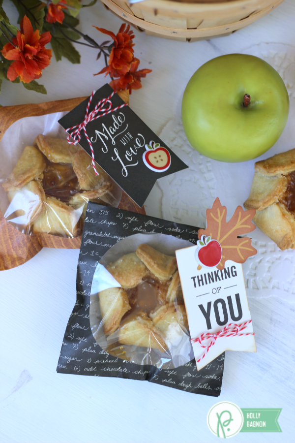 Easy Apple Treat Cookie Bags made with the @pebblesinc Harvest collection created by @ribbonsandglue