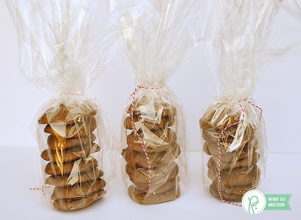 """A quick gift with a favorite recipe - project created by @wendysuea with the """"Harvest"""" collection by @pebblesinc!"""