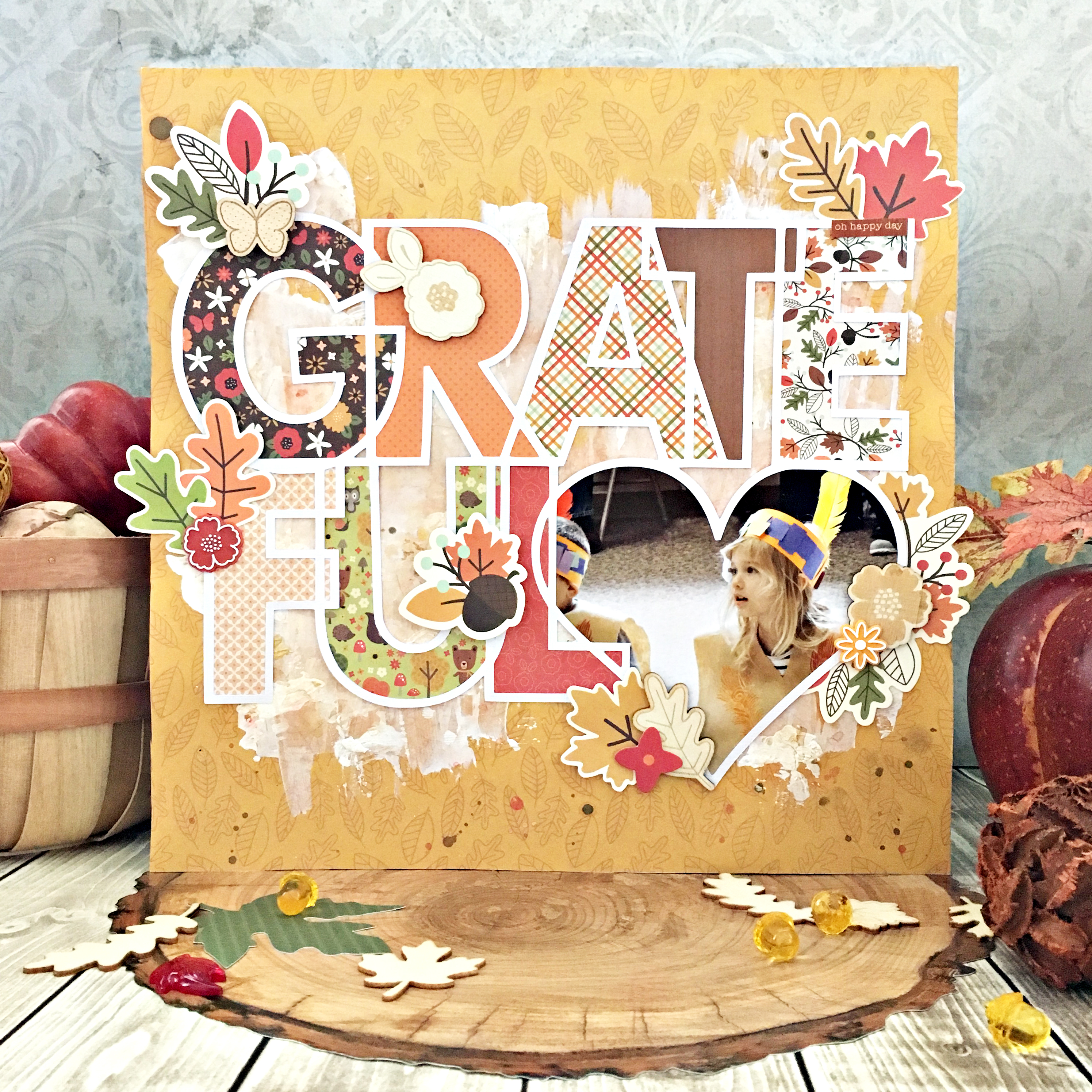 Grateful heart layout with free cut file made by @heatherleopard using the #WoodlandForest collection from @PebblesInc.