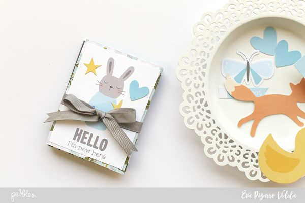 Make a quick accordion brag book with this tutorial from @evapizarrov and the new #lullaby collection by @pebblesinc #pebblesinc #madewithpebbles #minialbum
