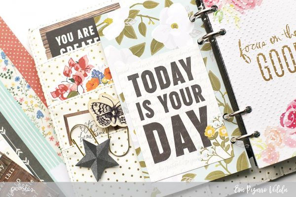Create a cute mini folder for your planner with this tutorial from @evapizarrov and the new #simplelife collection by @pebblesinc #pebblesinc #plannerspread #madewithpebbles
